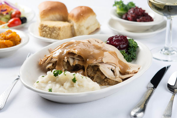 Where to eat Thanksgiving dinner in New Hampshire | A tasty turkey dinner from Hart's Turkey Farm.